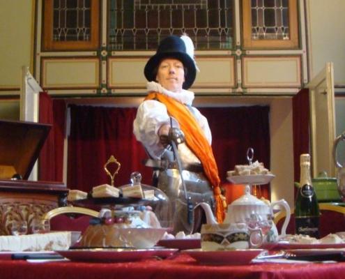 De theatermaker Van Ravesteijn Theaterdiners