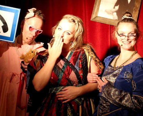 De theatermaker Drie Decadente dames voorstelling